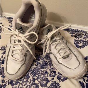 Adidas Tennis/Athletic Shoe